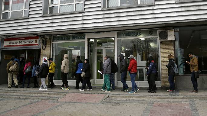 Spanish jobless total sees seasonal rise