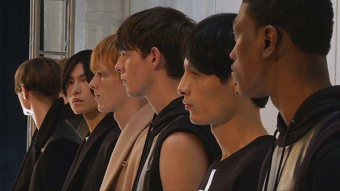 تشكيلات مبتكرة في أسبوع الموضة الرجالية في نيويورك