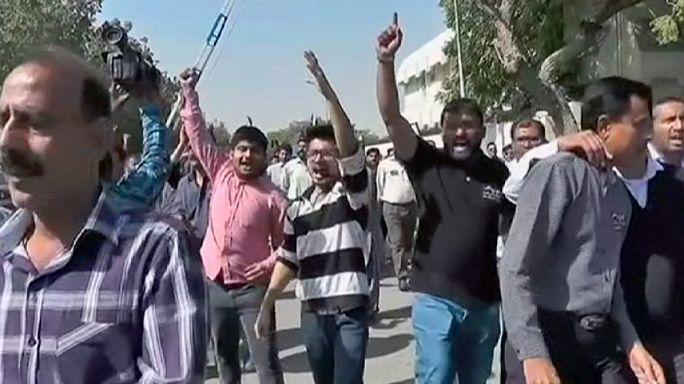 Карачи: акция протеста сотрудников авиакомпании Pakistan International Airlines
