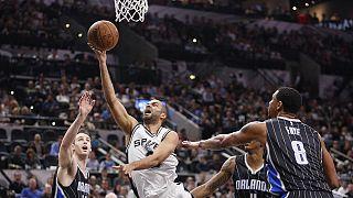 NBA'de San Antonio evinde yenilgi yüzü görmüyor.