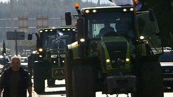 Border blockade - Greek farmers protest over pension reforms