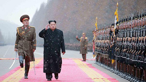 Dél-Korea és Japán élesítette légvédelmi rendszerét - készek lelőni Kim Dzsongun rakétáját