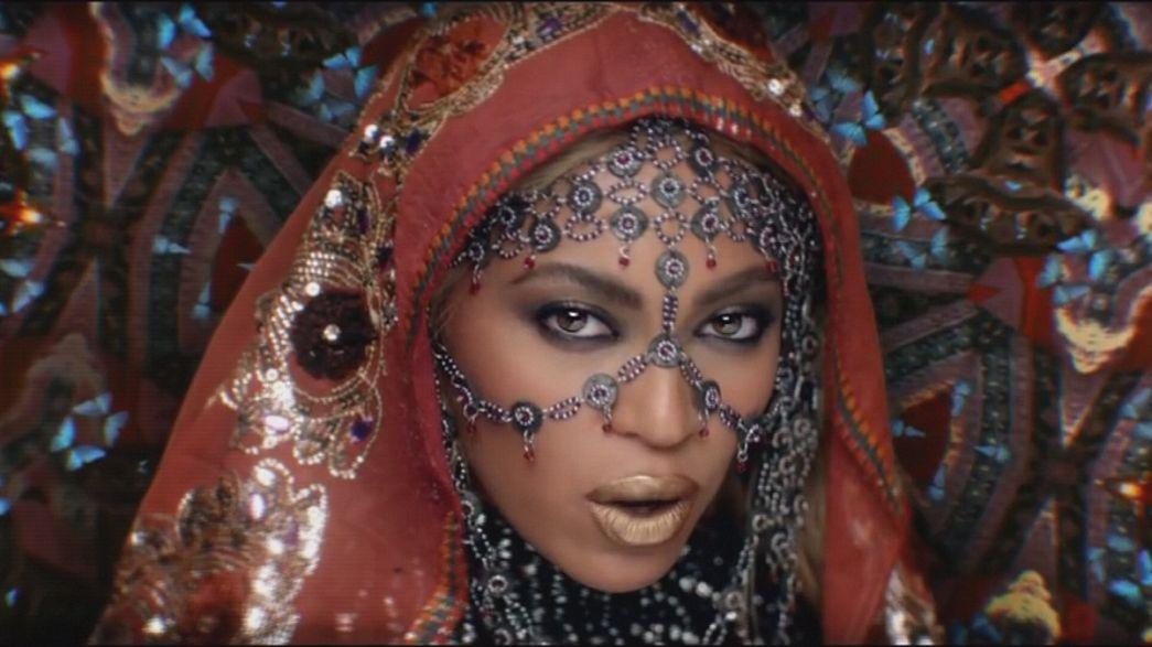 Новости поп-музыки: полемика и дебют