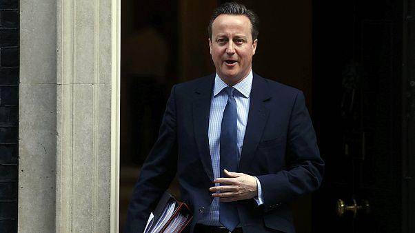 """Face aux députés britanniques, David Cameron défend le projet d'accord pour éviter le """"Brexit"""""""