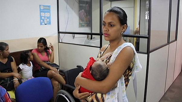 بيزنس لاين: فيروس زيكا يؤثر على صناعة السفر وألفابيت تتجاوز آبل
