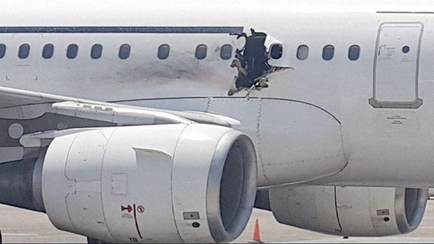 Aterrizaje de emergencia de un avión de pasajeros somalí tras una explosión en la cabina