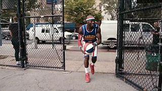 Harlem Globetrotters dão espetáculo aos 90 anos de idade