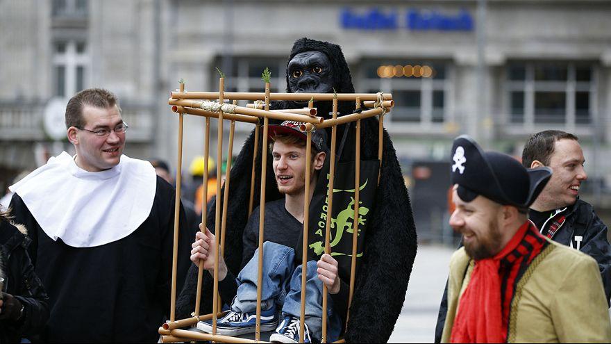Карнавал в Кёльне начался под двойной охраной полиции