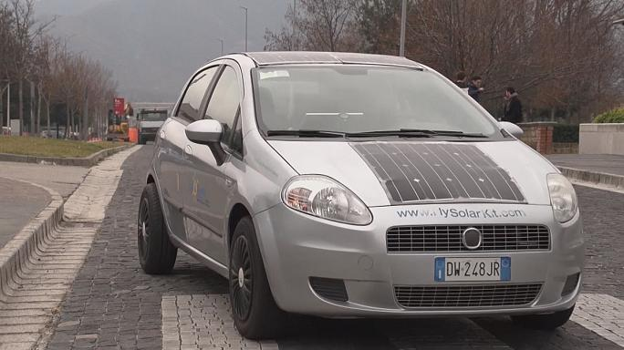 Benzines autóból napelemes hibrid járgány?