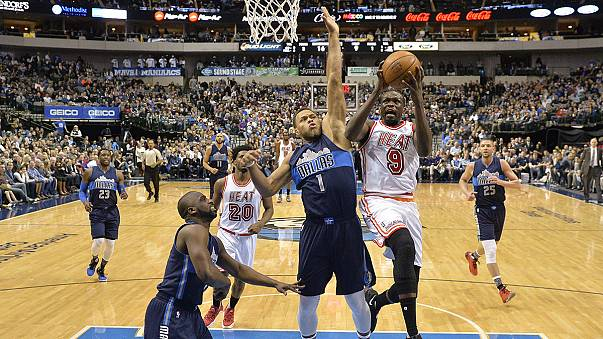 Victoria de los Miami Heat en casa de los Dallas Mavericks