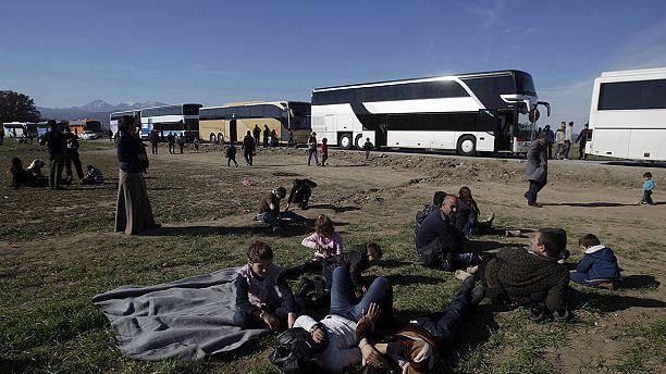 9000 migrants toujours bloqués à la frontière entre la Grèce et la Macédoine
