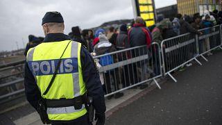 La Suède veut freiner les flux de réfugiés en 2016