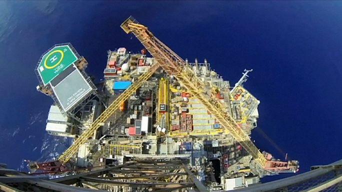 Shell: csökkenő profit, 10 ezres elbocsátás