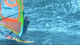 Windsurf: Polakow cavalca le temibili onde di Nazaré