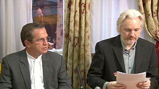 أسانج ويكيليكس يُعرب عن نيته في مغادرة سفارة الإكوادورإذا لم تحكم لجنة الأمم المتحدة لصالحه