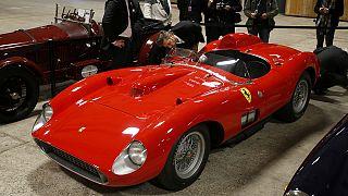 Dünyanın en pahalı arabası Paris'te açık arttırmada