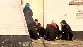 مرفأ زيبروج في بلجيكا يتردد الى محيطه اللاجئون
