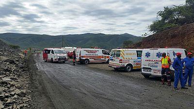 Afrique du Sud : plusieurs mineurs piégés sous terre