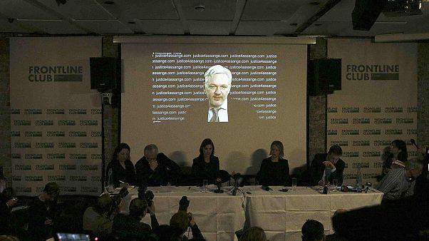 """Première réaction de Julian Assange : la Suède et le Royaume-Uni doivent """"appliquer le verdict de l'ONU""""."""