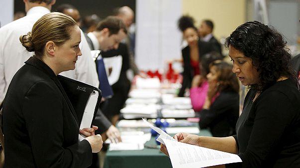 EEUU creó unos escasos 151.000 empleos en enero, aunque el paro bajó al 4,9%