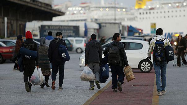 """L'horizon des demandeurs d'asile en Europe : entre """"hotspots"""" et retour au pays"""