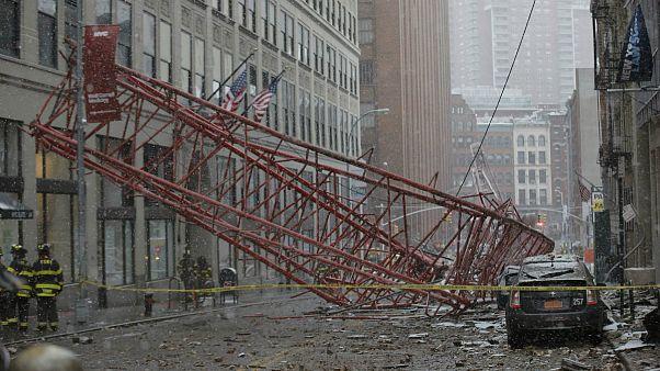 Падение крана на улицу в Нью-Йорке: один погибший
