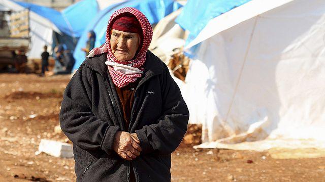 Exode de réfugiés syriens à la frontière turque, risque humanitaire
