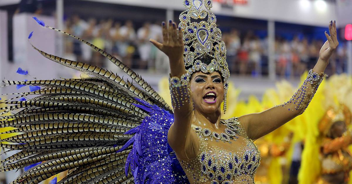 essay on brazilian carnival Explore the magic of rio carnival with riocom learn all about the festival's  history, samba schools, parades, balls, street parties, blocos and much more.
