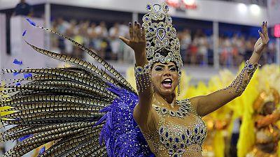 Brasil baila ya a ritmo de un carnaval marcado por el miedo al virus del Zika