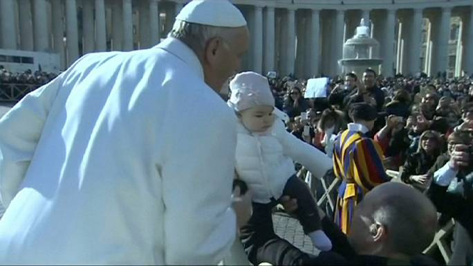 Ватикан: в базилике Святого Петра выставлены мощи Святого Падре Пио