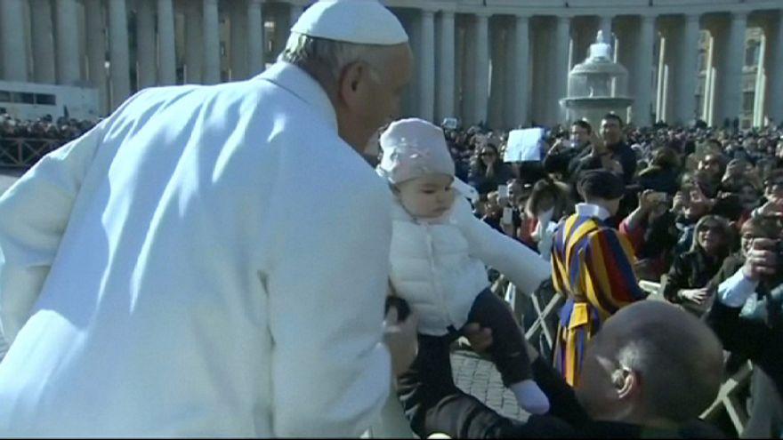 """Papst Franziskus ehrt Pater Pio als """"Diener der Barmherzigkeit"""""""