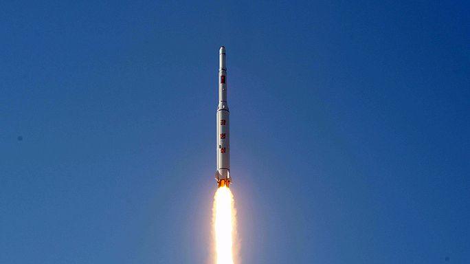 """الكوريون الشماليون : """"إطلاق الصاروخ يعكس قوة كوريا الشمالية"""""""