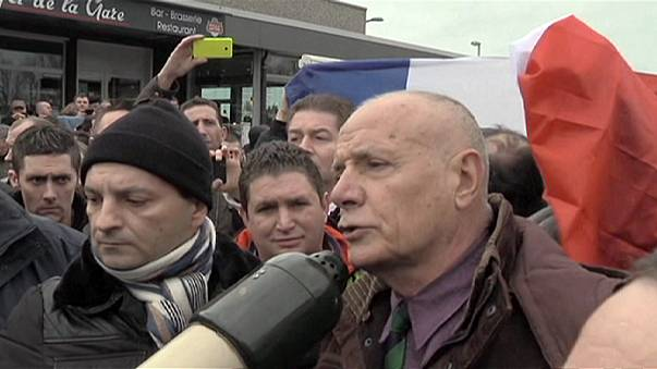 Un militar francés entre los detenidos en la manifestación de Calais