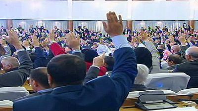 Argélia: Reforma constitucional prevê fim do poder de Bouteflika