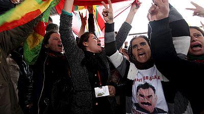 Protesta en Erbil por los bombadeos de Turquía contra el PKK en Irak