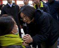 Taiwan: more survivors are pulled from the rubble