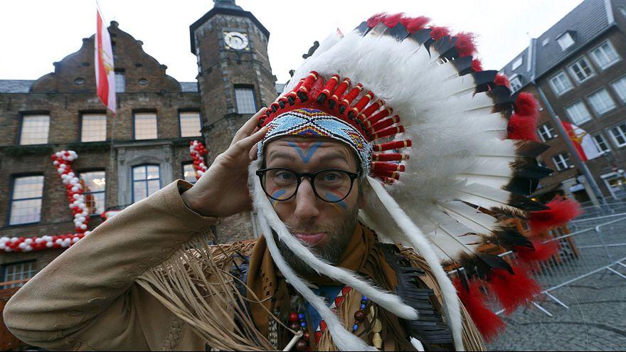Rosenmontag: Unwetter und Sturm setzen dem Karneval zu