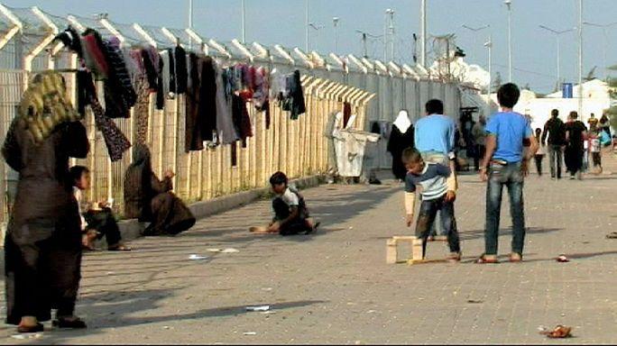 EU piles pressure on Turkey to open border to Syrian refugees
