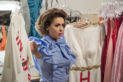 "Alyssa Milano in a scene from ""Insatiable."""