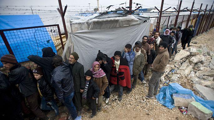 Halep'ten Türkiye sınırına göç dalgası sürüyor