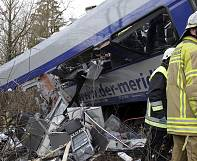 Black boxes retrieved from site of deadly Bad Aibling train collision