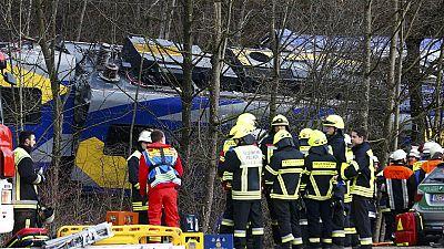 Collision ferroviaire: neuf morts, de nombreux blessés et deux disparus