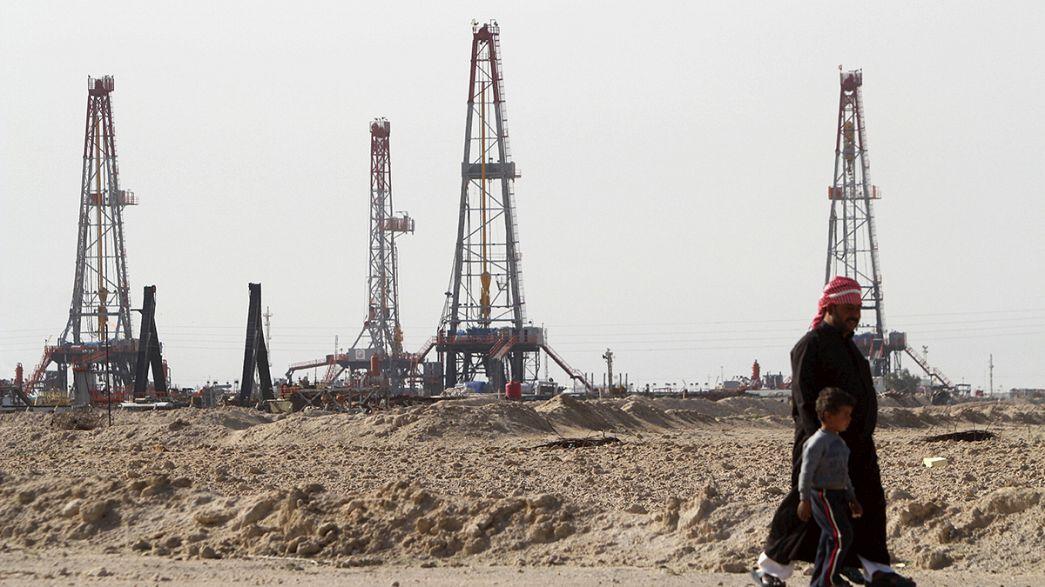 """IEA: il """"surplus"""" di petrolio continuerà per tutto il 2016"""