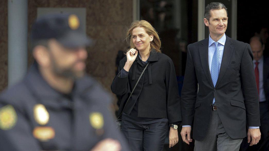 Espanha: Princesa Cristina senta-se no banco dos réus
