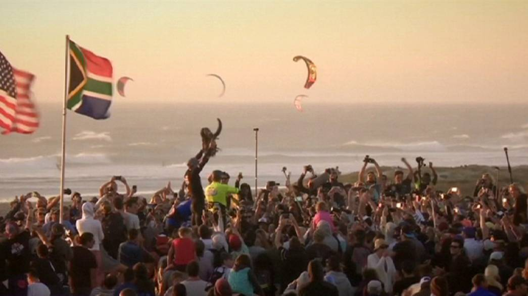 Hadlow retains King-of-the-Air Kitesurfing title