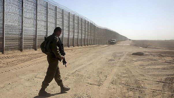 اسرائيل تقيم سياجا على الحدود مع الأردن