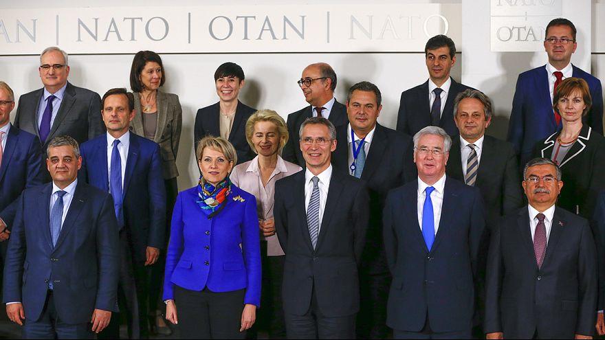 L'Otan hésite à s'impliquer dans la crise des réfugiés