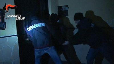 Italian paramilitary police arrest 109 suspected Mafia members