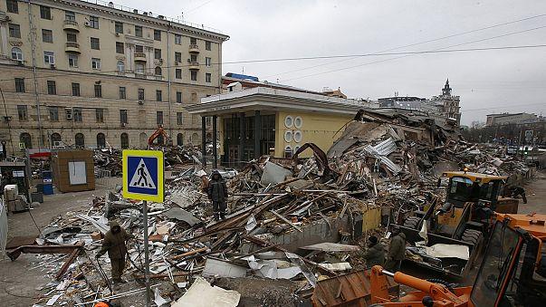 Moscovo avança com operação de demolição de negócios clandestinos