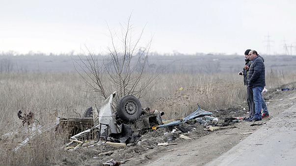 مقتل 4 أشخاص  في انفجار عبوة ناسفة أسفل حافلة شرق اوكرانيا
